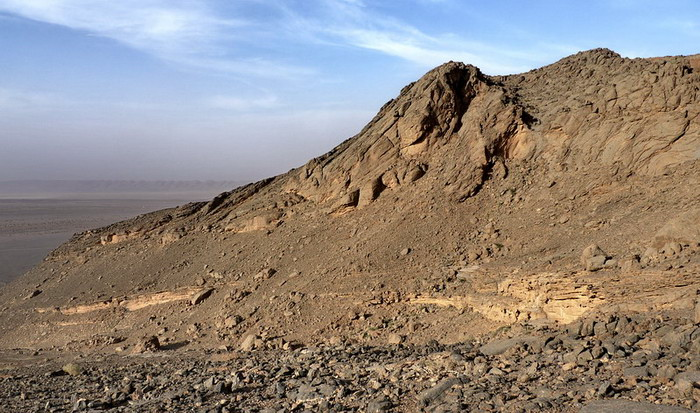 Aferdou - layered rock is a talus sediments