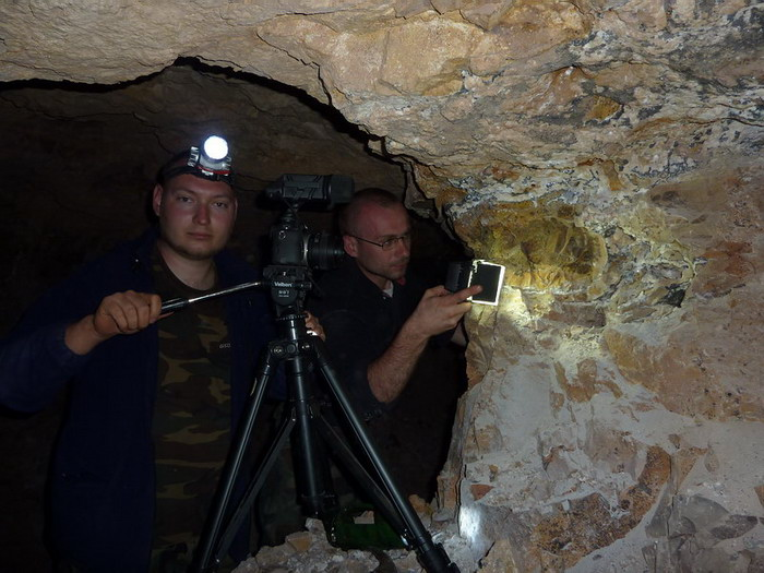 Inside the mine. Kamil and Grzegorz filming baryte veins.