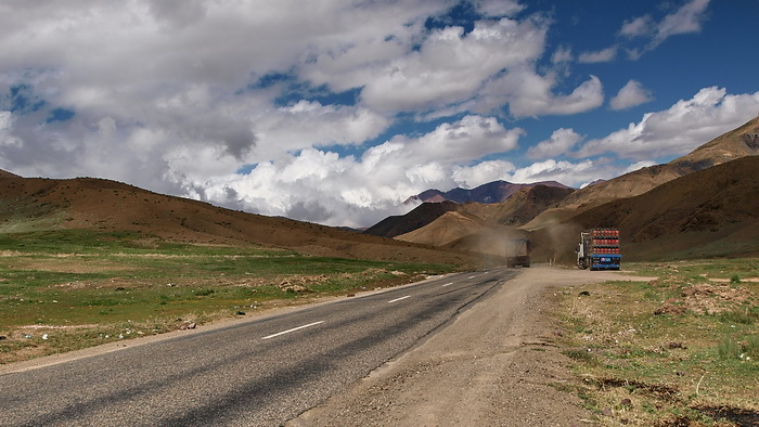Road from Bou Azer to High Atlas